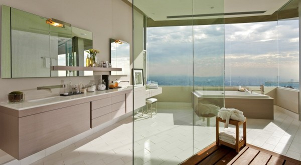 Bathroom-view-of-the-city
