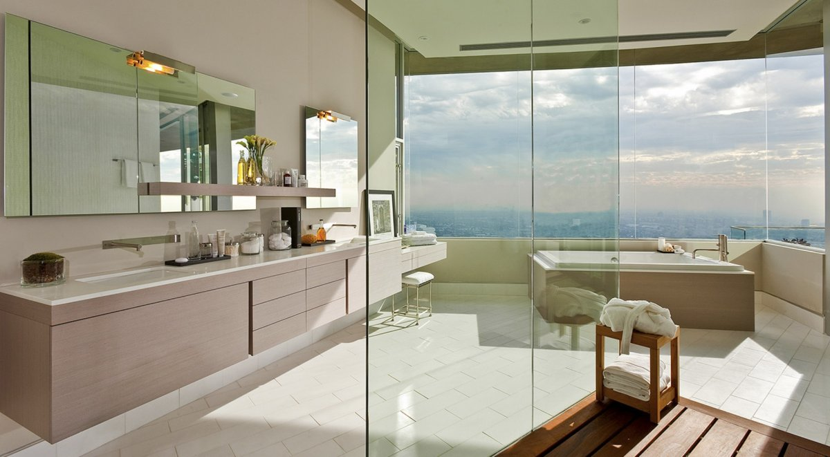 Dj avicii 39 s fantastic 15 5 million property in hollywood for Hollywood bathroom design