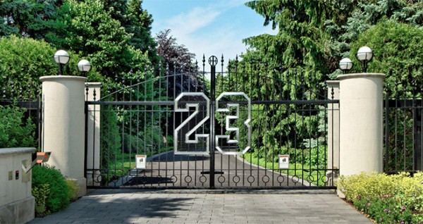 entrance-michaeljordan_mansion