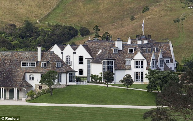 Megaupload founder kim dotcom 39 s mansion in new zealand for New zealand mansions for sale