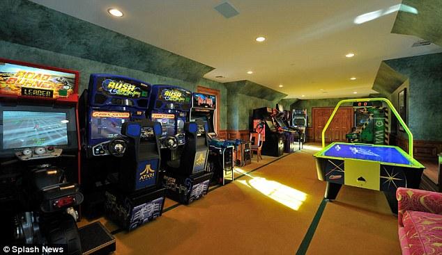 Inside Britney Spears New Luxury 20m Mansion