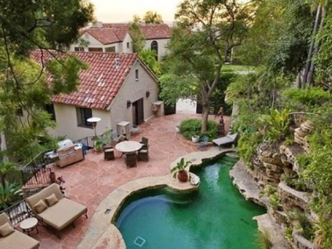 katy-perry-russell-brand-house-for-sale-02-480w